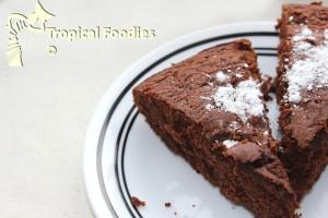 Moelleux au chocolat (Fudgey chocolate cake)
